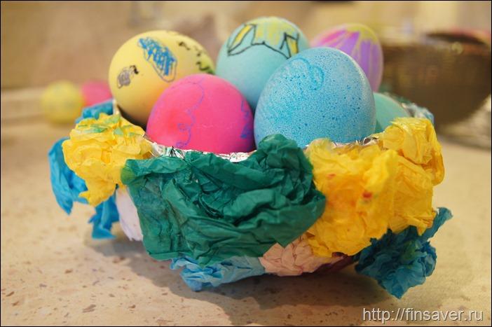Яйца уже покрасили?